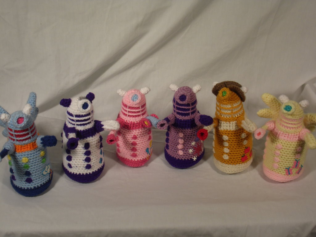 [Image: my_little_dalek_by_country_geek_crochet-d74ksse.jpg]